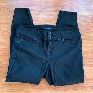 Torrid Black Skinny Jeans Size 16s